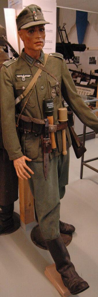 Jatkosodan saksalainen sotilasnukke