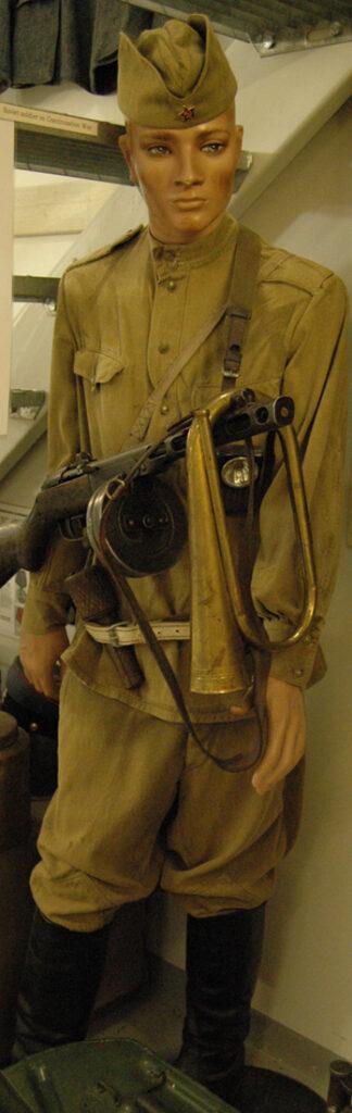 10158 Jatkosodan venäläinen sotilasnukke