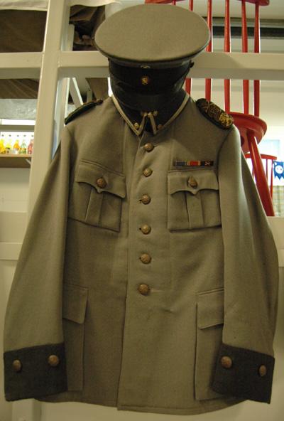 10730 Asetakki M 22, jalkaväki, luutnantti