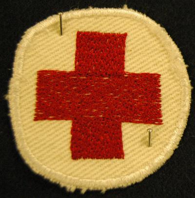 10587 Koulutusmerkki, lottasairaanhoitaja, repro