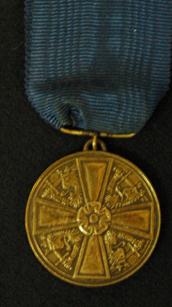11334 Valkoisen Ruusun 2. luokan mitali